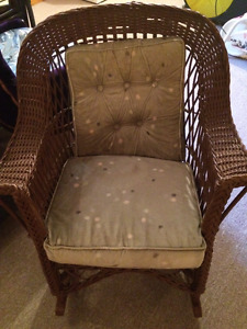 Whicker rocking chair (with cushion)