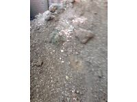 Free sand mixed with stones