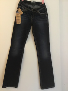 BRAND SPANKIN' NEW SILVER JEANS // NEVER BEEN WORN// $50