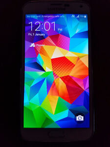 Samsung Galaxy S5 16GB Unlocked, Car Charger & Stand