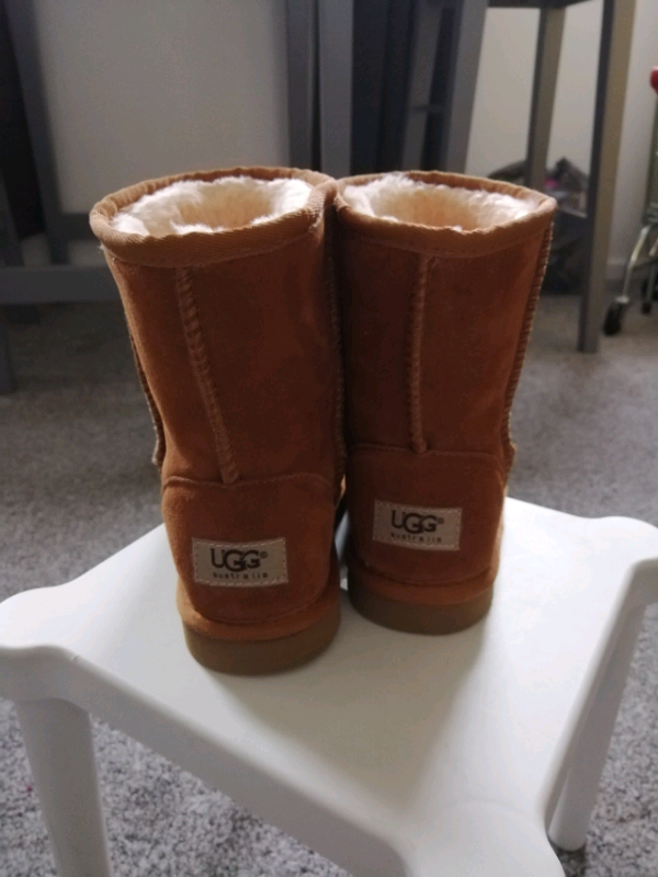 sneakers for cheap multiple colors the best Girls ugg boots uggs new size 2. Chestnut. New. | in Clydebank, West  Dunbartonshire | Gumtree