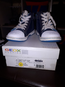 Boys Geox Size 2 Running shoes