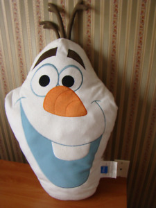 OLAF PILLOW with pocket