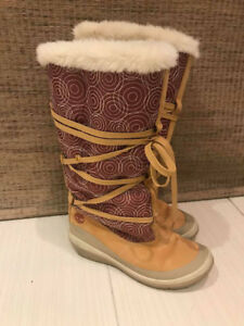 Timberland Ladies Leather/Cloth Winter Boots-Like New Size 6