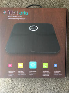 Fitbit Aria Wi-Fi Smart Scale - Black Mint condition London Ontario image 5