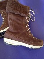Women's Columbia boots size 6