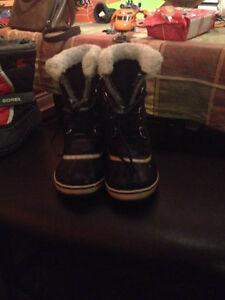 Sorel Boots Size 3 Boys