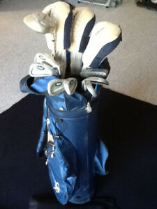 GOLF CLUBS and MATCHING BAG for sale $85