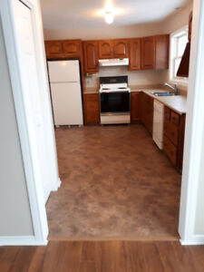Apartment  (AMHERST) , 3 bedrm, Avail JULY 1st
