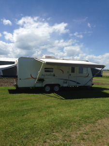 Jayco Jayfeather 23 ft. w/ slide-out and two fold-out ends