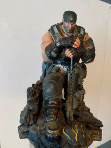 Gears of war collectors edition statue