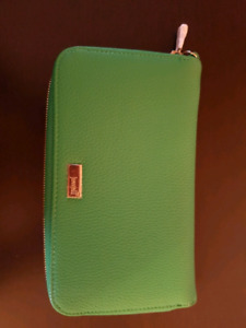 Thirty-One Jewell Wallet and Wristlet NEW