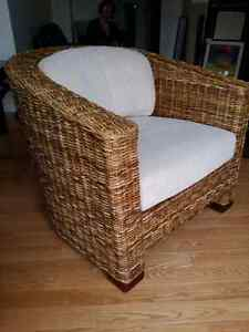 Rattan wicker chair. Chaise en rotin.