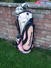 Golf bag with 8 kid size clubs