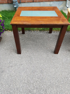 DINING/COFFEE TABLE FOR SALE