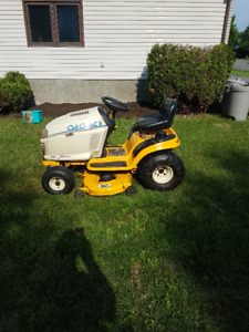 Cub Cadet Riding Lawn/Snow Thrower Tractor