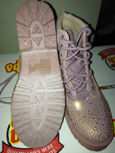 Women's Pink boots with rhinestones