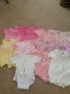 Lot of 31 pieces of girl's clothes size 12 months, Spring/Summer Kitchener / Waterloo Kitchener Area image 1