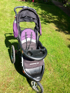 Baby trend jogging stroller- great condition!
