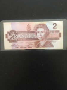$2 Canadian bank note