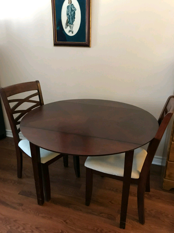 Description Wood Dining Table