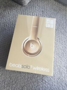 Unopened beats Solo2 wireless gold