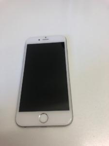 Iphone blanc 6S 32gb- Déverouillé