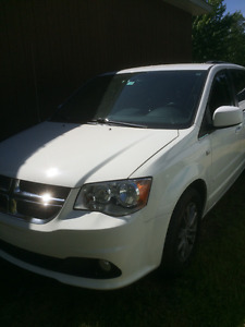 2014 Dodge Caravan Stow and Go 30 anniversaire