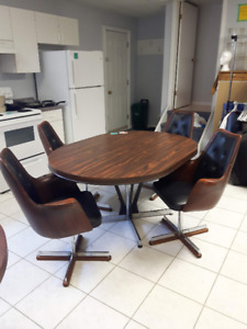 Retro Kitchen Table with 6 Chairs