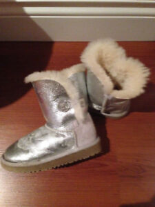 UGGS boots silver bling buttons little girl!!