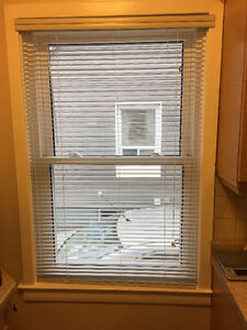 Horizontal Metal Venetian Blinds - White