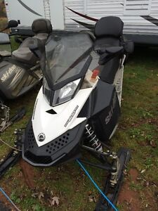 2014 Ski doo 600 Ace Grand touring 4 stroke with 5427Km's!