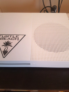 Xbox one S GHOST RECON Turtle Beach headset