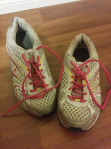 Size 4 running shoes