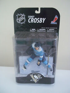 SIDNEY CROSBY PITTSBURGH PENGUINS BLUE JERSEY MCFARLANE FIGURE