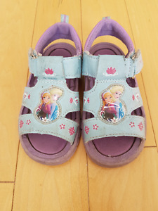 VGUC Disney Frozen Light Blue Sandals - Size 8