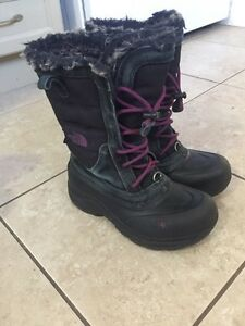North face boots size 3