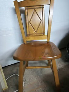 Chaise en bois pour bureau