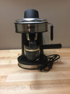 BIALETTI EXPRESSO AND FROTHER MACHINE