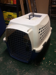 Small Dog Carrier - Petmate Kennel Cab
