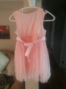 KIDS WEDDING OR PRINCESS DRESSES DIFFERENT SIZES