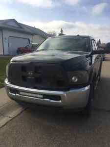 2015 Dodge 3500 cummins (6speed manual) must sell by the weekend