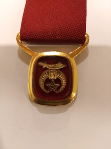 """Masonic Shriners red 6"""" tie with red and gold medallion"""