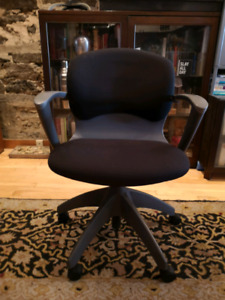 Knoll Soho Office Chair  - swivel and recline
