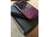 Blackberry Curve Purple, mint condition with x2 battery's and SD card