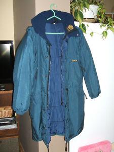 Manteau d'hiver Kanuk. Excellente condition. Taille 3.