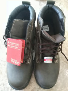 pair of Dexter work boots, Brand New