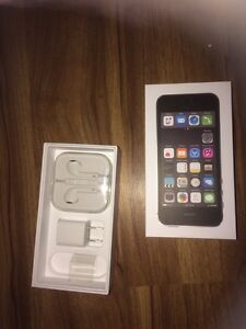 I phone 5S unloked 1 month old