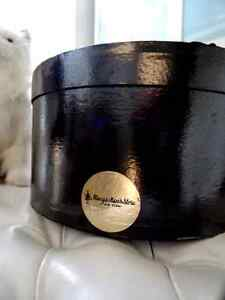 rare MACY'S New York City MEN'S STORE hat box BLACK oval lidded