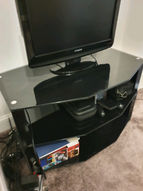 """Small Modern Glass TV Stand with Black base Perfect for 20-34"""" TV"""